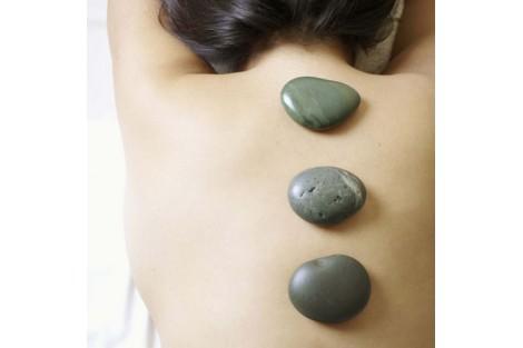 Massage pierres-chaudes 75min