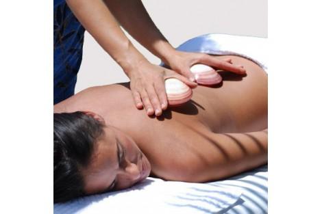 Massage aux coquillages chauds
